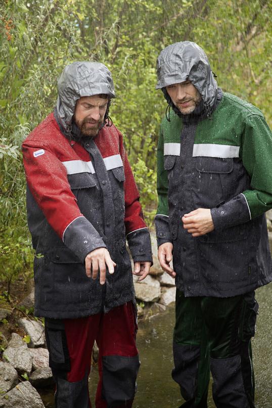 In die boco GORE-TEX® Wetterschutzkleidung kann eine Thermojacke eingezippt werden